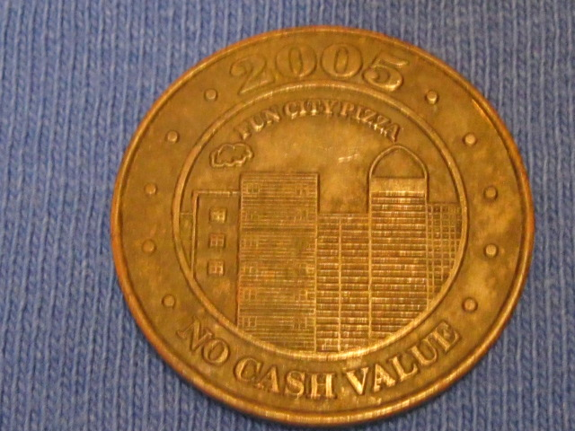 Reverse 2005 Fun City Token